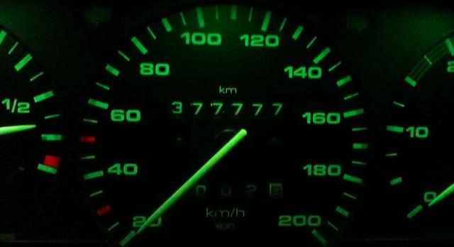 T4 Km Stand nicht manipuliert im Februar 2012 der VW Bus unseres Grafikers