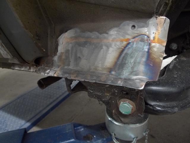 VW Bus Restauration mit speziellem Schweissdraht für weniger Hitzeeintrag in das Karosserieblech