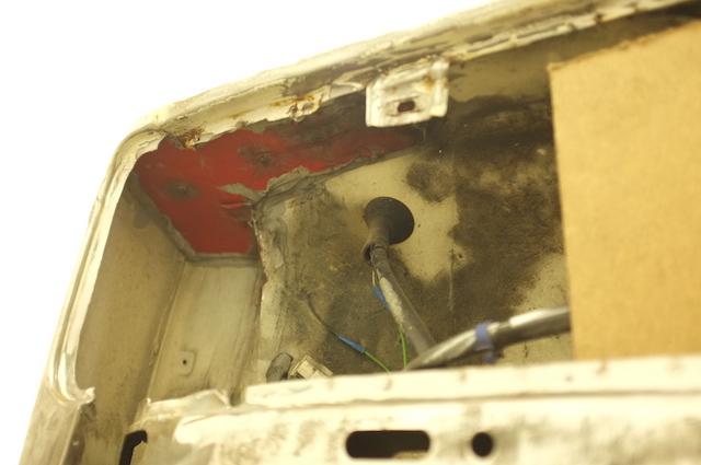 VW Bus T3 Syncro Restauration Schaden vorne rechts schlecht instand gesetzt Blick von unten