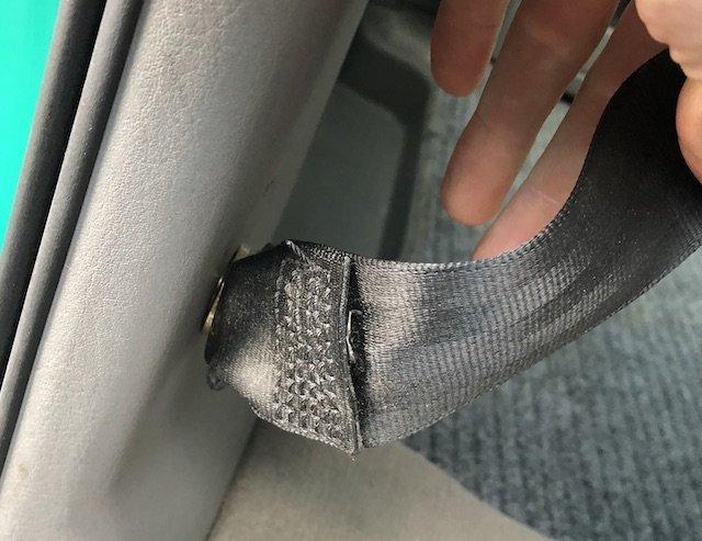 abgeschnitten Informationen am Gurt Hinweis Diebstahlschaden VW BusChecker