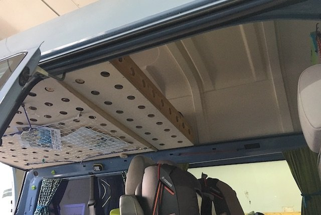 vw bus innenausbau selbst gemacht low budget buschecker. Black Bedroom Furniture Sets. Home Design Ideas