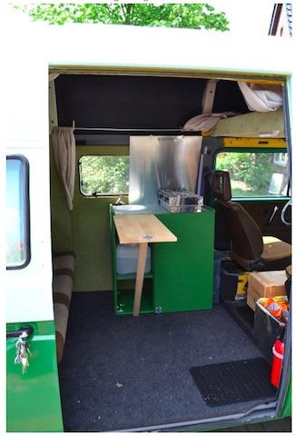 T3 Postbus low budget Innenausbau Blick nach vorne Ausführung grün