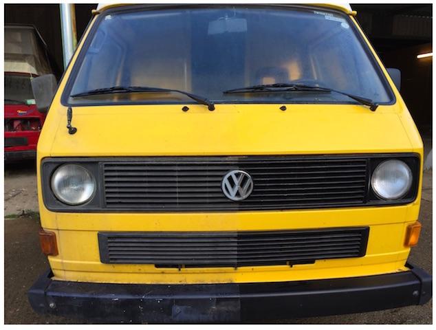 VW Bus Händler kaufen günstig und bereiten die Fahrzeuge auf