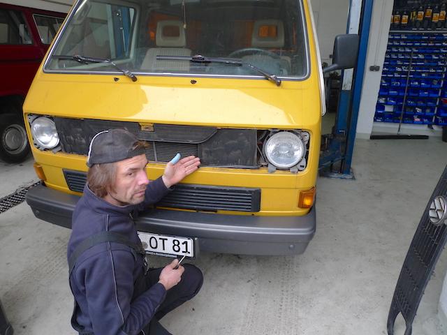 VW Bus Luftleitbleche Prototypen aus Pappe