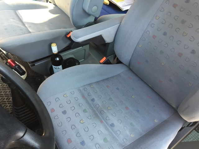 VW Bus T4 Armlehne nach Reinigung