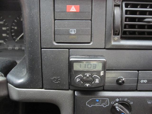 VW Bus T4 TDI Zuheitzer als Standheizung Bedienelement im VW Bus mit Temperaturfühler
