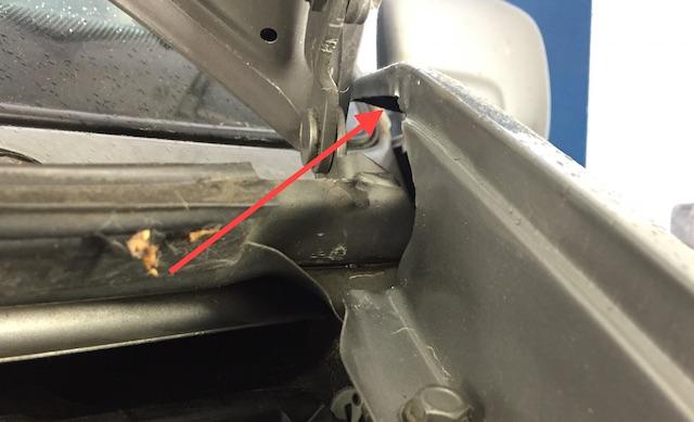 VW Bus T4 schlechte Unfall Reparatur mit billigen Kotflügeln