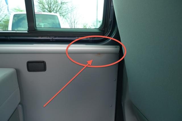 VW Bus T5 BEACH Wasserflecken in den Seitenteilen