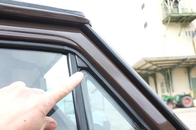 VW Bus restauriert und alle haben ein kleines Loch in der gebrauchten Tür übersehen