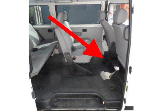 zweiter ausstroemer fussraum hinten vw bus t4 standheizung. Black Bedroom Furniture Sets. Home Design Ideas