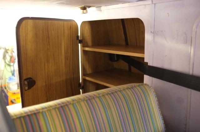 T3 Eigenbau Camper Gurt hinten Im Schrank verbaut