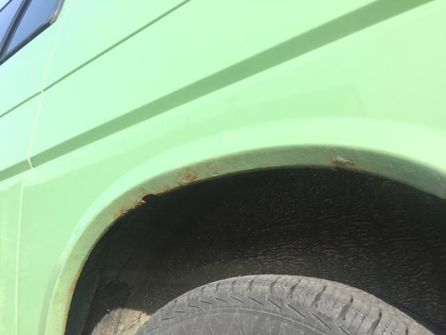 VW Bus T4 Radhaus hinten links Rostfrass nach einem Jahr