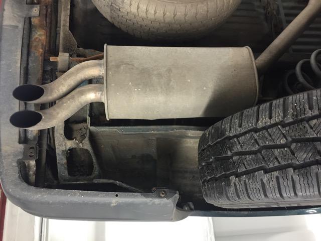 VW Bus T4 Unterboden Bereich Endschalldämpfer sehr gut erhalten