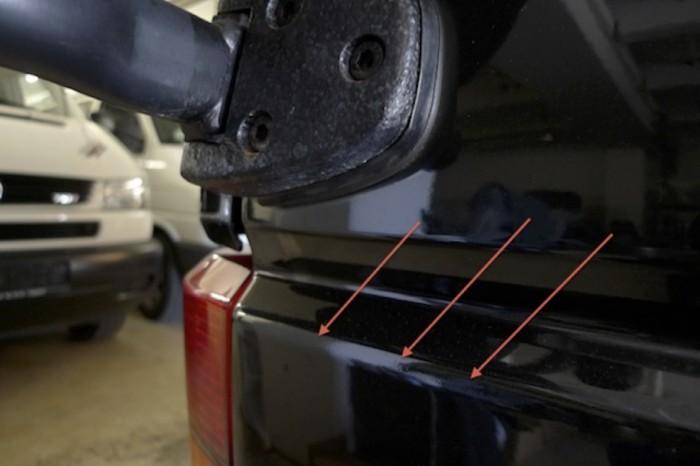 T4 Syncro KlappDachCamper Seitenteil am Übergang zum Reserveradhalter nachlackiert