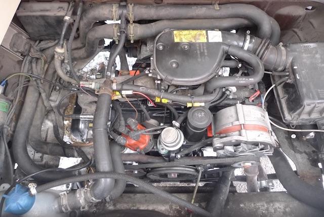 VW Bus T3 Boxer Benziner per Wasser gekuehlt Blick von oben