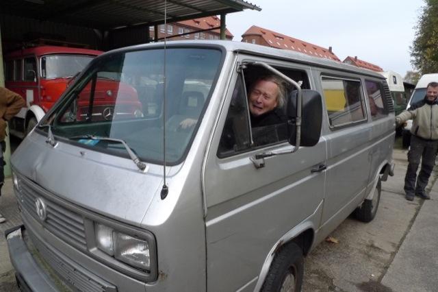 Ein VW Bus ist verkauft des alten Eigners Leid