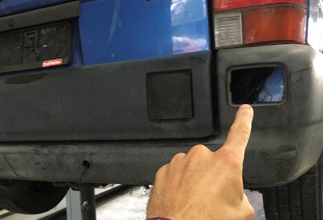 Kabeldurchfuehrung Rueckfahrwarner VW Bus T4