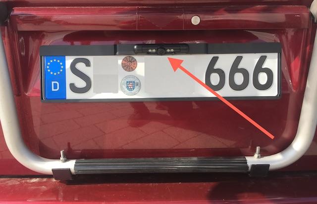Rückfahrkamera im Kennzeichenhalter VW Bus