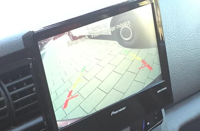 Rückfahrkamera im VW Bus T4 auf nachgerüstetem Radiodisplay