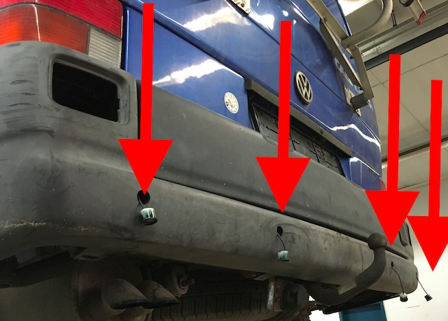 Sensoren Rueckfahrhilfe VW Bus T4 selber einbaun mit dem BusChecker