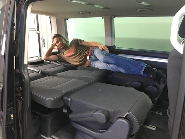 T5 Multivan Liegeflaeche Test VW Bus Checker