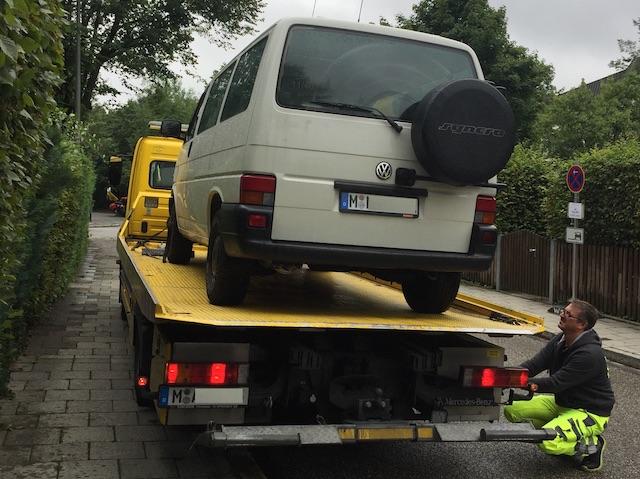 VW Bus Fahrer ADAC Mitgliedschaft zahlt sich aus immer irgendwann