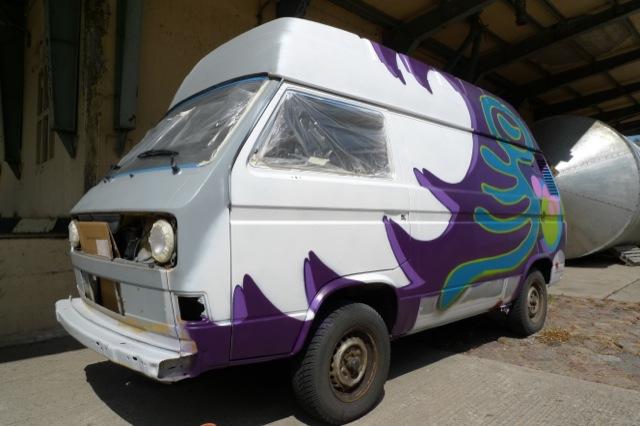 VW Bus T3 ehemals Post BusChecker Referenz mit Graffiti geht an Frank nach Koeln 06 2012