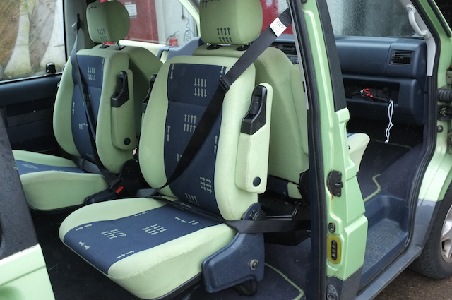 VW Bus T4 3 Punktgurte an den back to back Sitzen der sersten Serie Referenz BusChecker