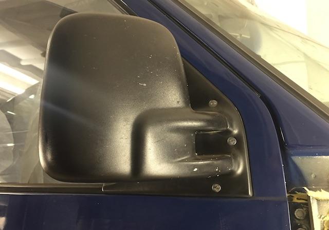 VW Bus T4 Spiegel gegen Diebstahl sichern mit speziellen Schrauben
