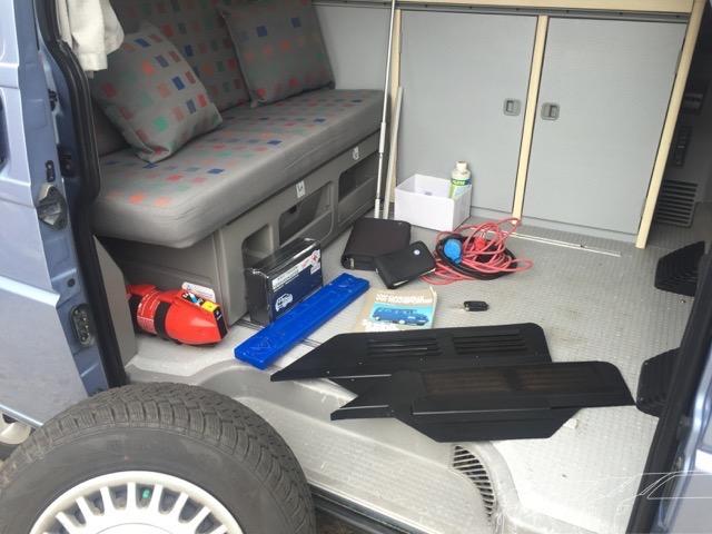 VW Bus besser verkaufen Zusatzausstattung auf einen Blick durch die Schiebetüre