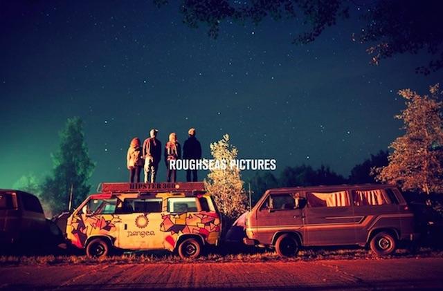 VW Bus für immer Hipster bei Sternenhimmel