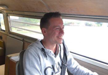 glueckliche VW Bus Fahrer Referenzen BusChecker