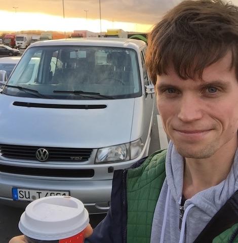 glueklicher VW Bus T4 Multivan Eigner Johannes nach VW BusChecker Auftrag 12 2015