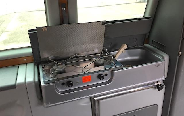 T3 Dehler Kochflaeche und Spuele Hitverdaechtig