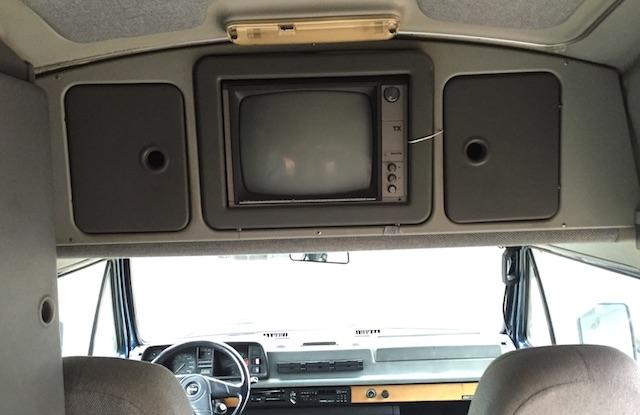 T3 Dehler mit Fernseher