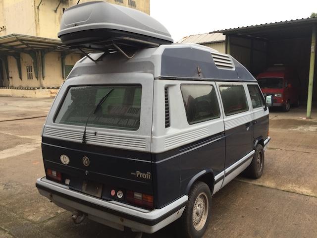 VW Bus T3 Dehler mit Dachkoffer