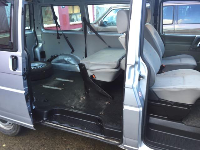 T4 Syncro Caravelle Sitzbank in der zweiten Reihe Lehne umgeklappt