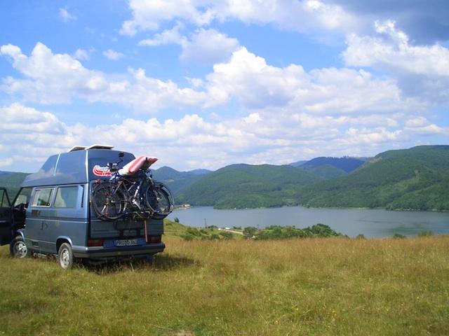 VW Bus T3 Hochebene in den Karpaten mit dem Bus Checker