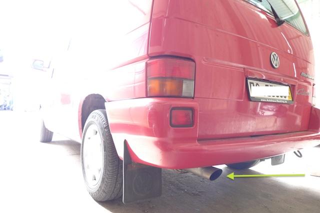 VW Bus T4 Benziner Kaufberatung Blick auf s Auspuffendrohr
