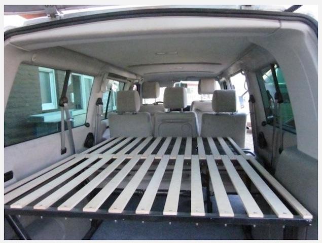 VW Bus T4 Bett bauen zu verschiebende Liegeflaeche