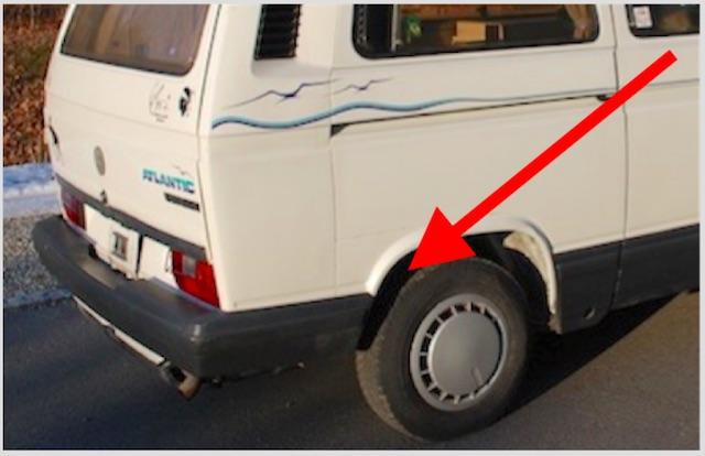 VW Bus T3 Atlantik KlappDachCamper Blick rechts Seite ins Radhaus hinten