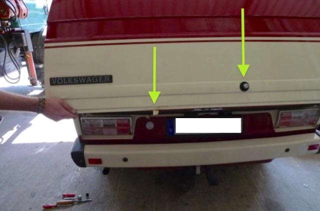 VW Bus T3 Heckklappe vor einem Jahr restauriert