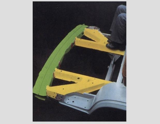 VW Bus T3 Sicherheitstechnik Prallelement in der Front unterhalb des Bodenbleches copyright Volkswagen AG