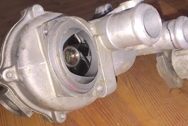 VW Bus T3 Wasserpumpe Erstausrüsterqualität