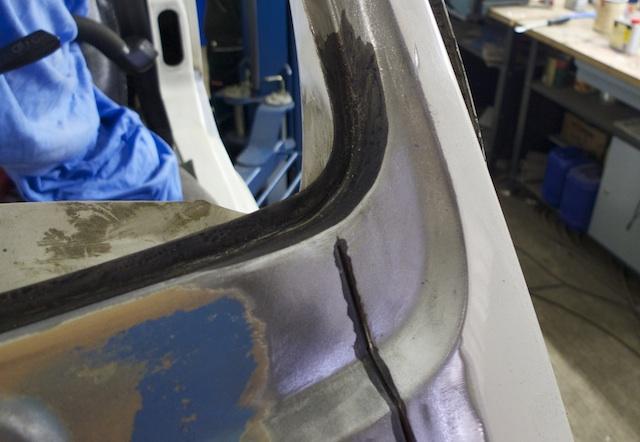 VW Bus T3 white Star Draufblick auf vorher heraus getrennten Rostbereich nun nicht mehr sichtbar instand gesetzt