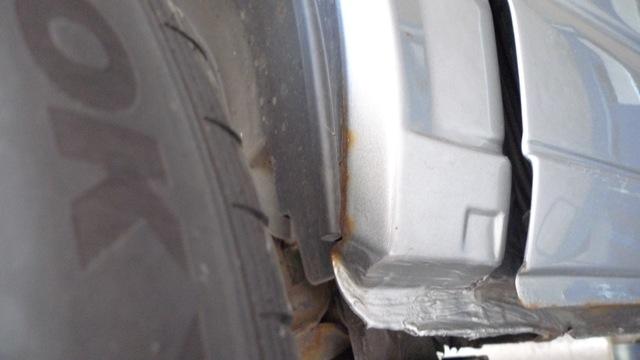 VW Bus T4 Radhauskante innen hinten rechts leichter Rostansatz