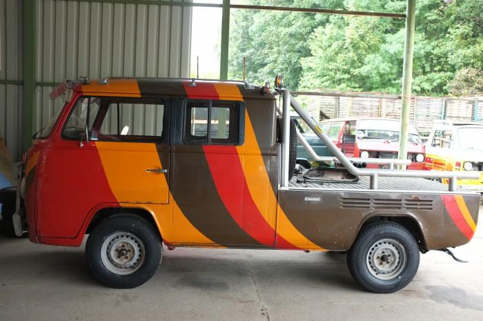T2 Doppelkabine Pangea Festival Showcar mit neuen Reifen