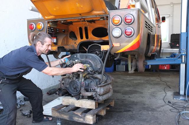 T2 Doka Motor ausbaun im Zuge Ölverlust inst
