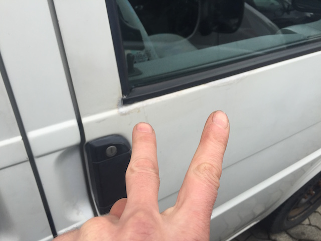 VW BUs T4 Rost an den Türen am Scheibenrahmen ist üblich