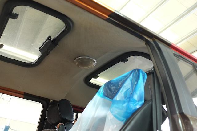 VW Bus T2 Doka mit zwei Sonnendächern